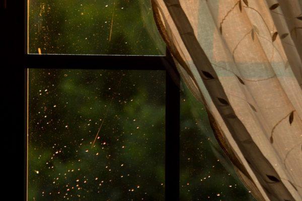 IMG_7088 okno z deszczem